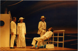 Acte I, De Ciz (assis) Mesa Ysé Amalric, copyright Maria Mulas